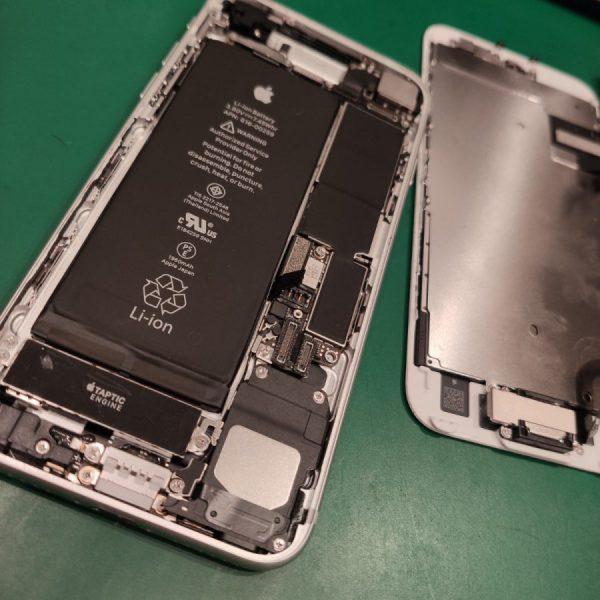 iPhone分解画像